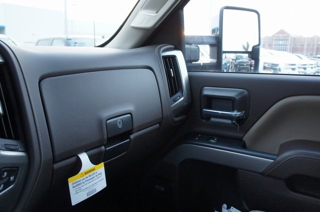 2019 Silverado 3500 Crew Cab 4x4,  Pickup #T09257 - photo 30