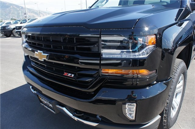 2018 Silverado 1500 Crew Cab 4x4,  Pickup #T18046 - photo 12