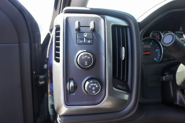 2018 Silverado 3500 Crew Cab 4x4,  Pickup #T18062 - photo 23