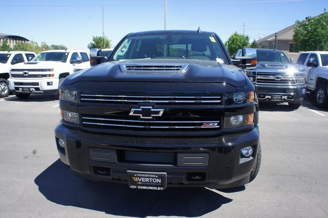 2018 Silverado 3500 Crew Cab 4x4,  Pickup #T18062 - photo 8