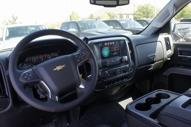 2018 Silverado 1500 Crew Cab 4x4,  Pickup #T18123 - photo 35