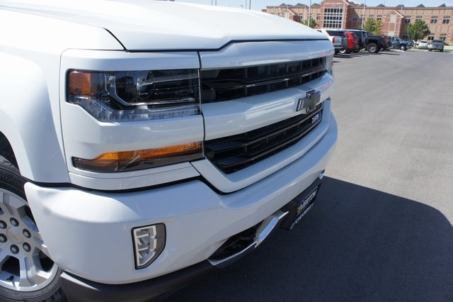 2018 Silverado 1500 Crew Cab 4x4,  Pickup #T18123 - photo 9