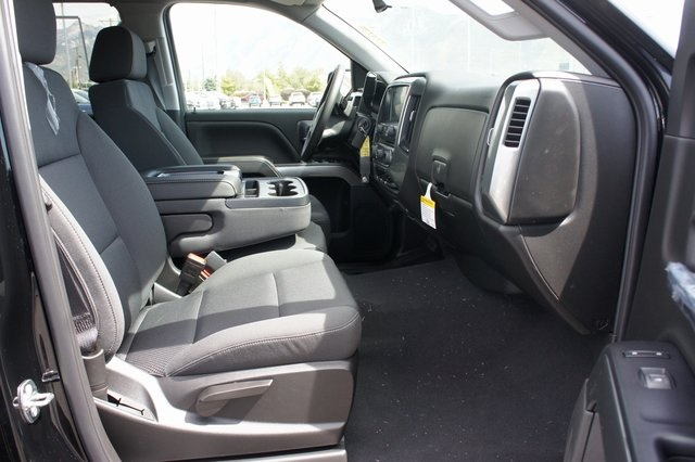 2018 Silverado 1500 Crew Cab 4x4,  Pickup #T18128 - photo 14