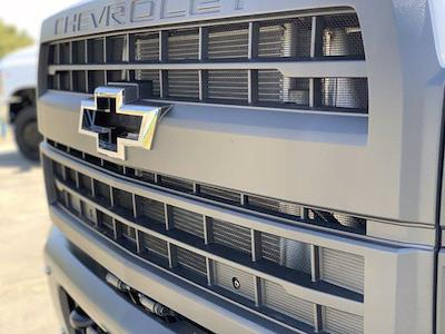 2020 Chevrolet Silverado 5500 Crew Cab DRW 4x2, Knapheide PGND Gooseneck Platform Body #C41003 - photo 12