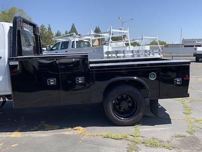 2020 Chevrolet Silverado 5500 Crew Cab DRW 4x2, Knapheide PGND Gooseneck Platform Body #C41003 - photo 16