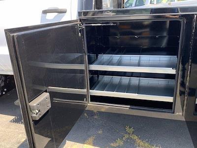 2020 Chevrolet Silverado 5500 Crew Cab DRW 4x2, Knapheide PGND Gooseneck Platform Body #C41003 - photo 18