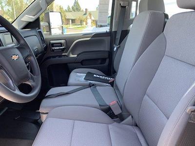 2020 Chevrolet Silverado 5500 Crew Cab DRW 4x2, Knapheide PGND Gooseneck Platform Body #C41003 - photo 36