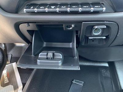 2020 Chevrolet Silverado 5500 Crew Cab DRW 4x2, Knapheide PGND Gooseneck Platform Body #C41003 - photo 39