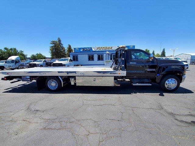2021 Chevrolet Silverado 6500 Regular Cab DRW 4x2, Miller Industries Rollback Body #C41297 - photo 1
