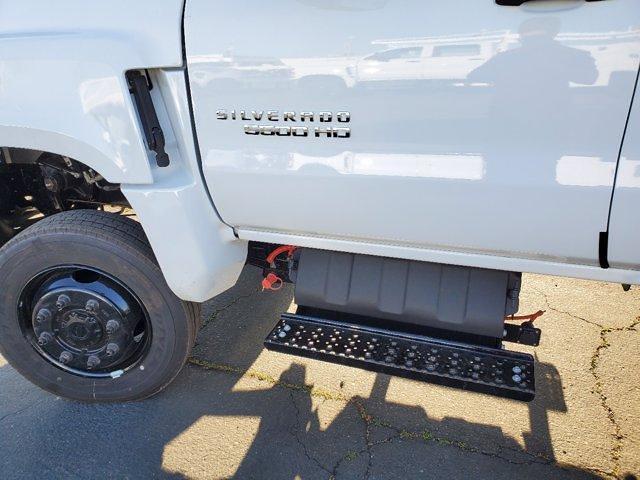 2021 Chevrolet Silverado 5500 Crew Cab DRW 4x4, Scelzi Combo Body #C41404 - photo 17