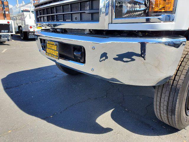 2021 Chevrolet Silverado 5500 Regular Cab DRW 4x4, Scelzi WFB Platform Body #CV00015 - photo 10