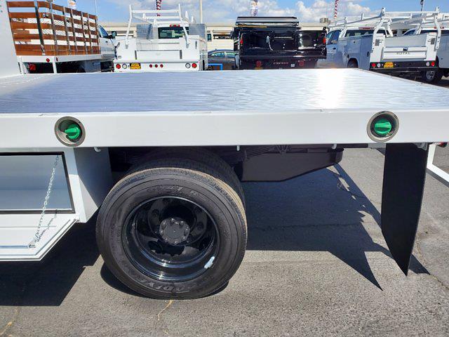 2021 Chevrolet Silverado 5500 Regular Cab DRW 4x4, Scelzi WFB Platform Body #CV00015 - photo 17