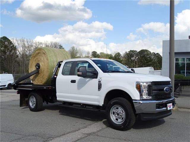2018 F-350 Super Cab 4x4,  C5 Manufacturing Chisholm Trail Bale Bed Platform Body #18F029 - photo 4