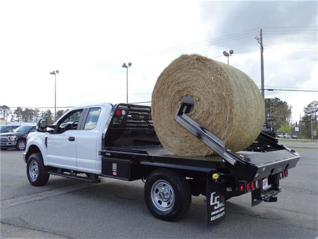 2018 F-350 Super Cab 4x4,  C5 Manufacturing Chisholm Trail Bale Bed Platform Body #18F029 - photo 2
