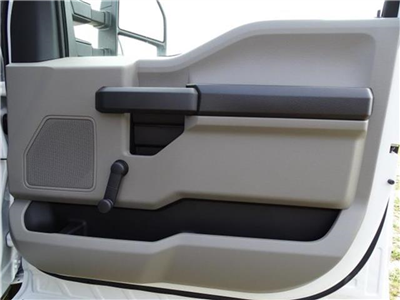 2018 F-550 Regular Cab DRW, Cab Chassis #18F066 - photo 11