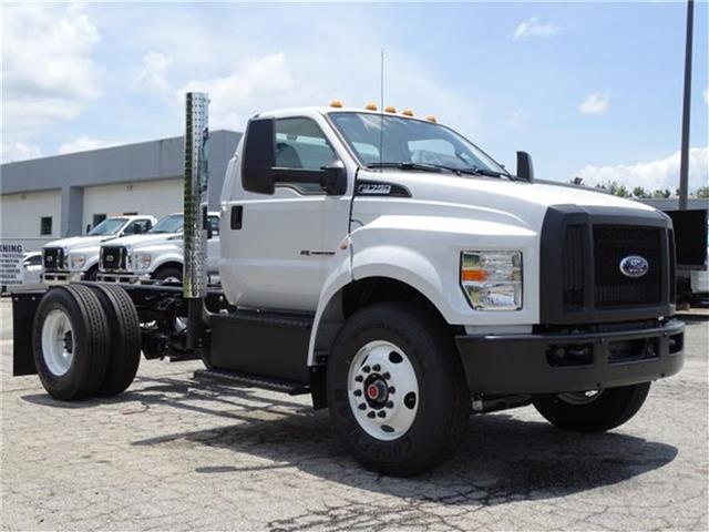 2018 F-750 Regular Cab DRW 4x2,  Cab Chassis #18F113 - photo 2