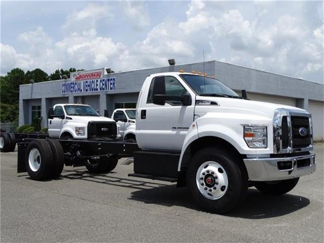 2018 F-750 Regular Cab DRW 4x2,  Cab Chassis #18F152 - photo 3
