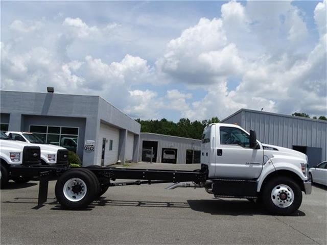 2018 F-750 Regular Cab DRW 4x2,  Cab Chassis #18F152 - photo 2