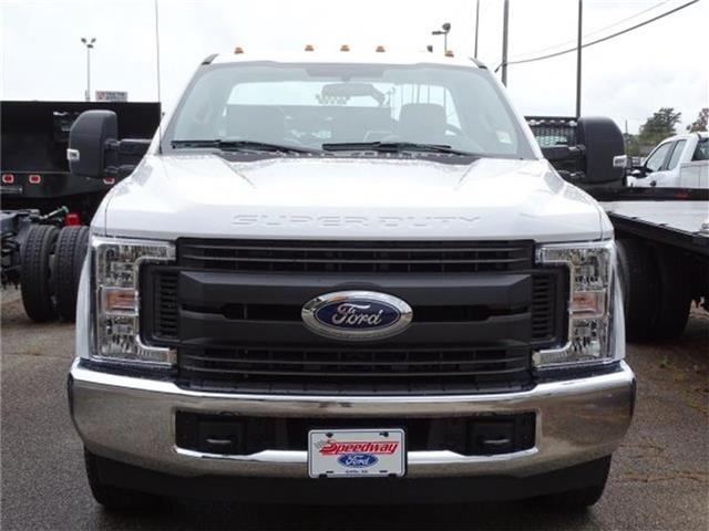 2019 F-250 Regular Cab 4x2,  Reading SL Service Body #19F071 - photo 3