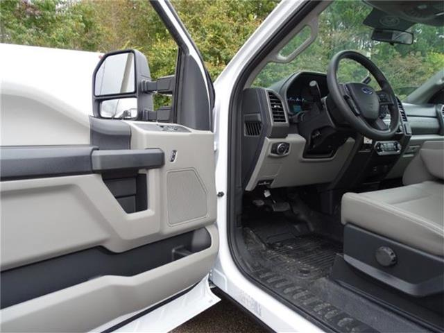 2019 F-250 Regular Cab 4x2,  Reading SL Service Body #19F071 - photo 9