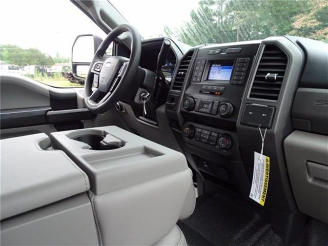 2020 Ford F-450 Crew Cab DRW 4x2, Knapheide PGNB Gooseneck Platform Body #20F094 - photo 30