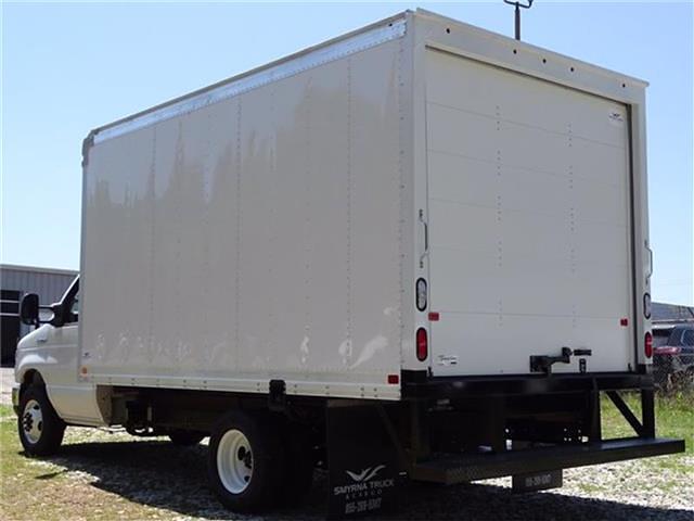2022 Ford E-350 4x2, Smyrna Truck Cutaway Van #22F006 - photo 1