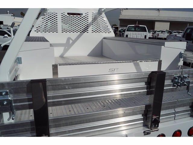 2020 Silverado 5500 Regular Cab DRW 4x2,  Scelzi CTFB Contractor Body #LH253265 - photo 3