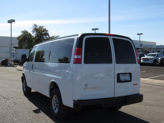 2018 Savana 2500 4x2,  Passenger Wagon #18235 - photo 16
