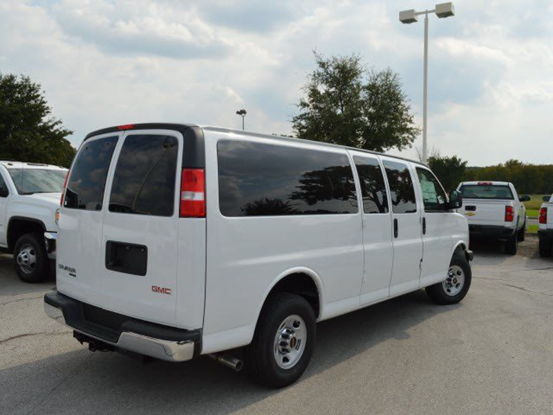 2015 Savana 3500 4x2,  Passenger Wagon #250819 - photo 2