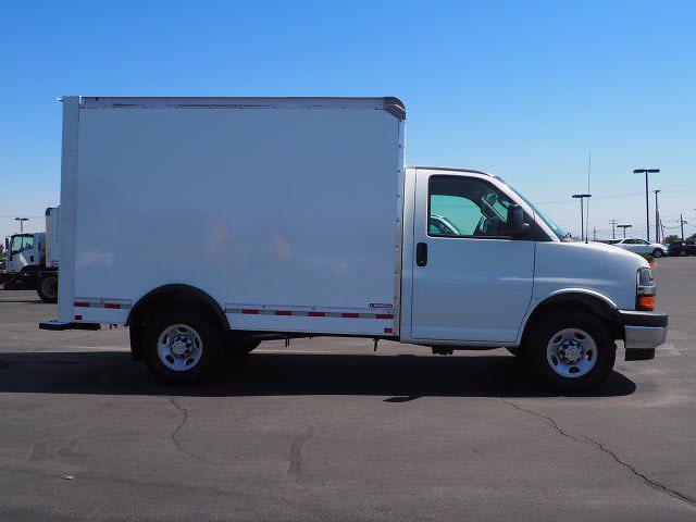 2021 Express 3500 4x2,  Morgan Truck Body Cutaway Van #213086K - photo 9