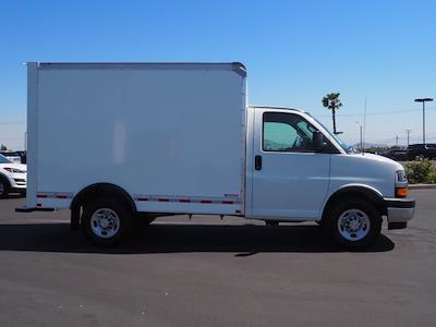 2021 Express 3500 4x2,  Morgan Truck Body Cutaway Van #213133K - photo 9