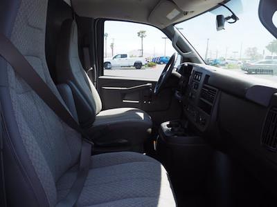 2021 Express 3500 4x2,  Morgan Truck Body Cutaway Van #213332K - photo 10