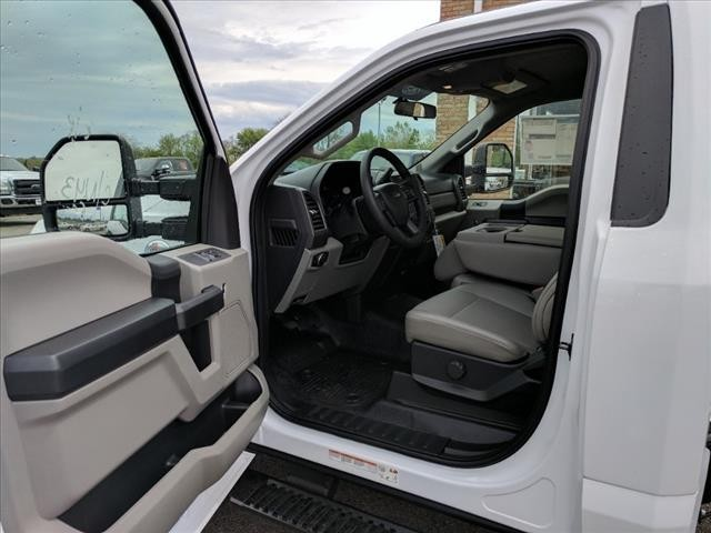 2018 F-550 Regular Cab DRW 4x4, Cab Chassis #L02185 - photo 7