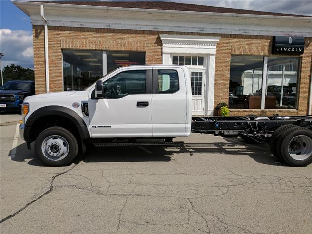 2017 F-550 Super Cab DRW 4x4 Cab Chassis #L34805 - photo 3