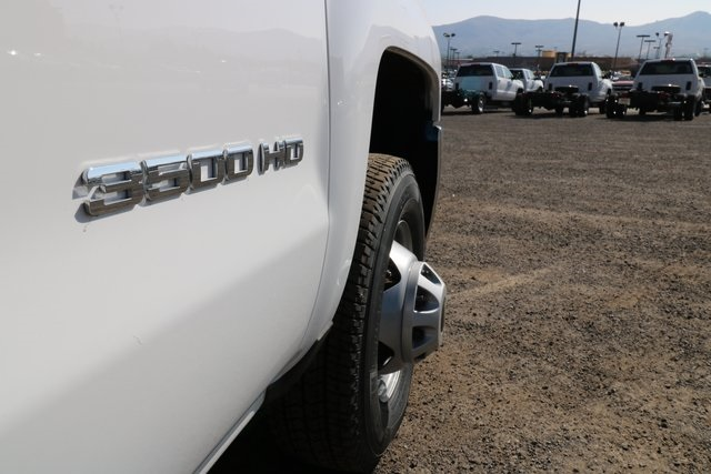 2018 Silverado 3500 Regular Cab DRW 4x4,  Knapheide Service Body #CC18465 - photo 25