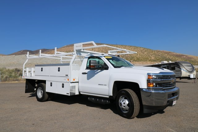 2018 Silverado 3500 Regular Cab DRW 4x4,  Knapheide Contractor Body #CC18469 - photo 4