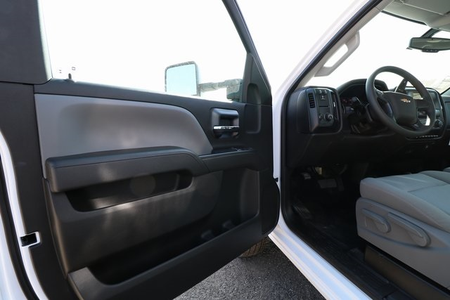 2018 Silverado 3500 Regular Cab DRW 4x4,  Knapheide Contractor Body #CC18469 - photo 12