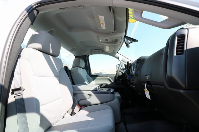 2018 Silverado 3500 Regular Cab DRW 4x4,  Knapheide Contractor Body #CC18469 - photo 26