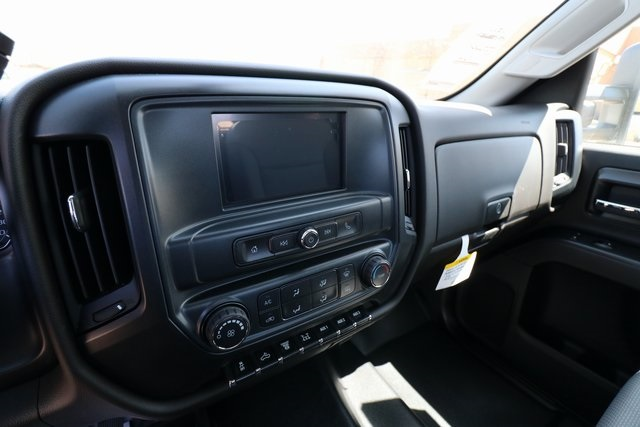 2018 Silverado 3500 Regular Cab DRW 4x4,  Knapheide Platform Body #CC18511 - photo 15