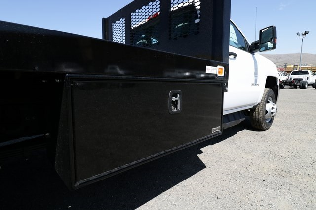 2018 Silverado 3500 Regular Cab DRW 4x4,  Knapheide Platform Body #CC18511 - photo 21