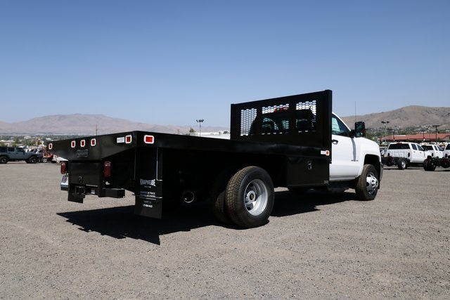 2018 Silverado 3500 Regular Cab DRW 4x4,  Knapheide Platform Body #CC18511 - photo 3