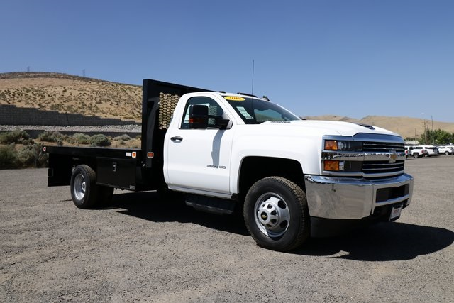 2018 Silverado 3500 Regular Cab DRW 4x4,  Knapheide Platform Body #CC18511 - photo 4