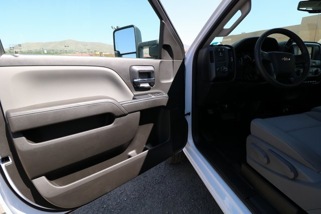 2018 Silverado 3500 Regular Cab DRW 4x4,  Knapheide Platform Body #CC18511 - photo 9