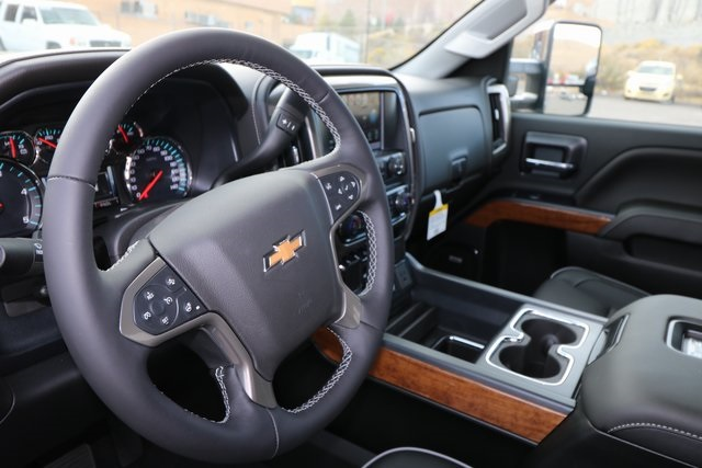 2019 Silverado 2500 Crew Cab 4x4,  Pickup #CC19026 - photo 15