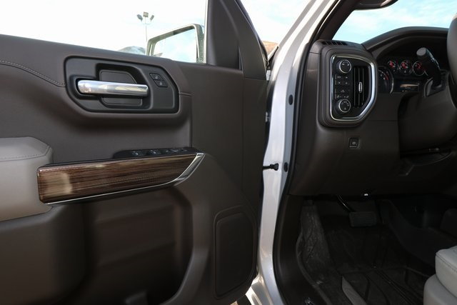 2019 Silverado 1500 Crew Cab 4x4,  Pickup #CC19053 - photo 10