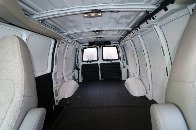 2017 Savana 3500 4x2,  Empty Cargo Van #GG17400 - photo 1