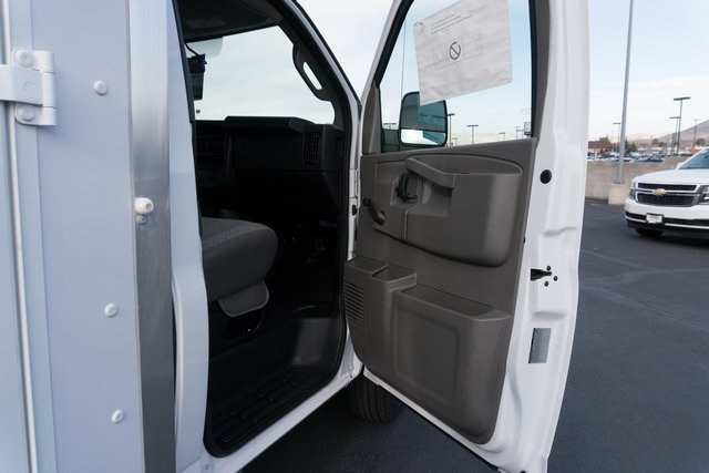 2018 Savana 3500, Supreme Cutaway Van #GG18141 - photo 21