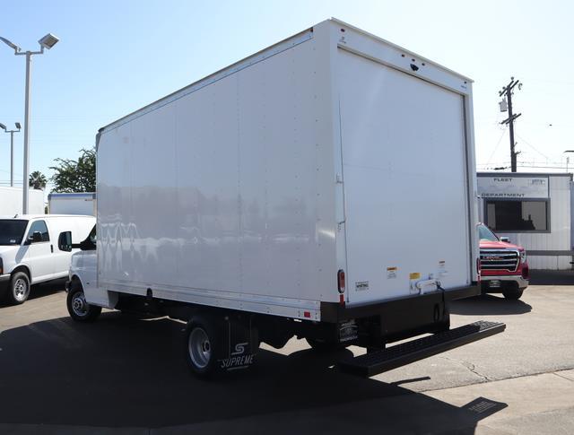 2020 GMC Savana 3500 DRW 4x2, Supreme Iner-City Cutaway Van #T49759 - photo 4