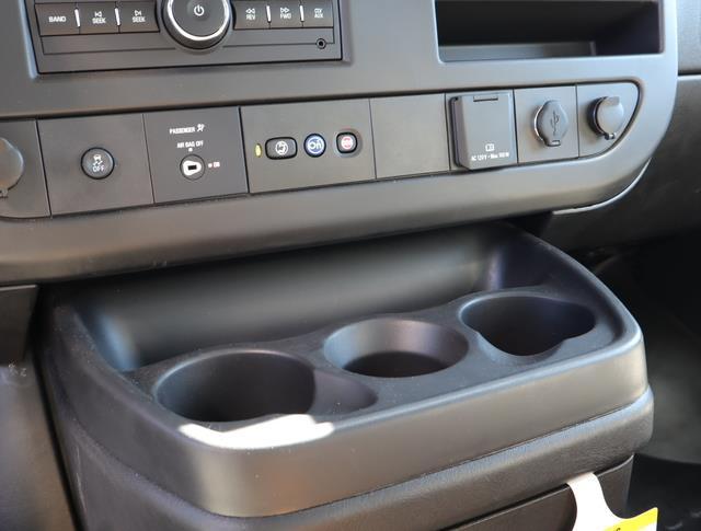 2020 GMC Savana 3500 DRW 4x2, Supreme Iner-City Cutaway Van #T49759 - photo 8