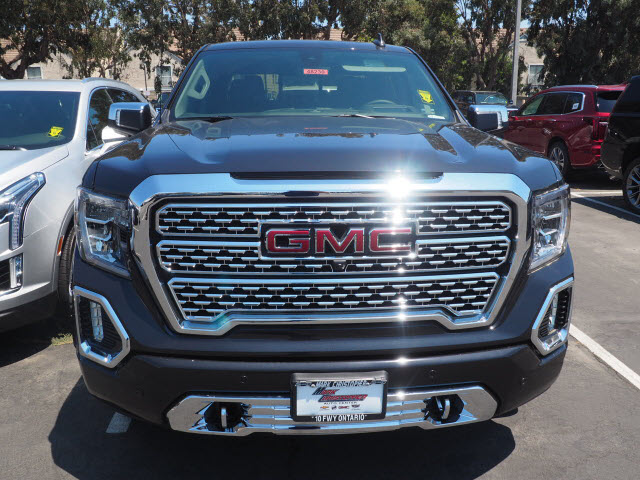 2020 GMC Sierra 1500 Crew Cab 4x4, Pickup #48230 - photo 3